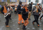 Battle de fanfares dans les rues de Carantec